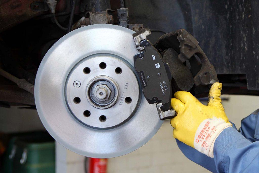 Teile und Zubehör, Beispiel Bremsen
