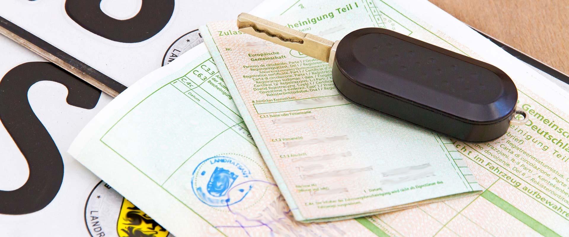 Zulassungsservice: Fahrzeugpapiere, Dokumente und Kennzeichen